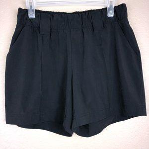 Athleta Destination Shorts Size 8 Black
